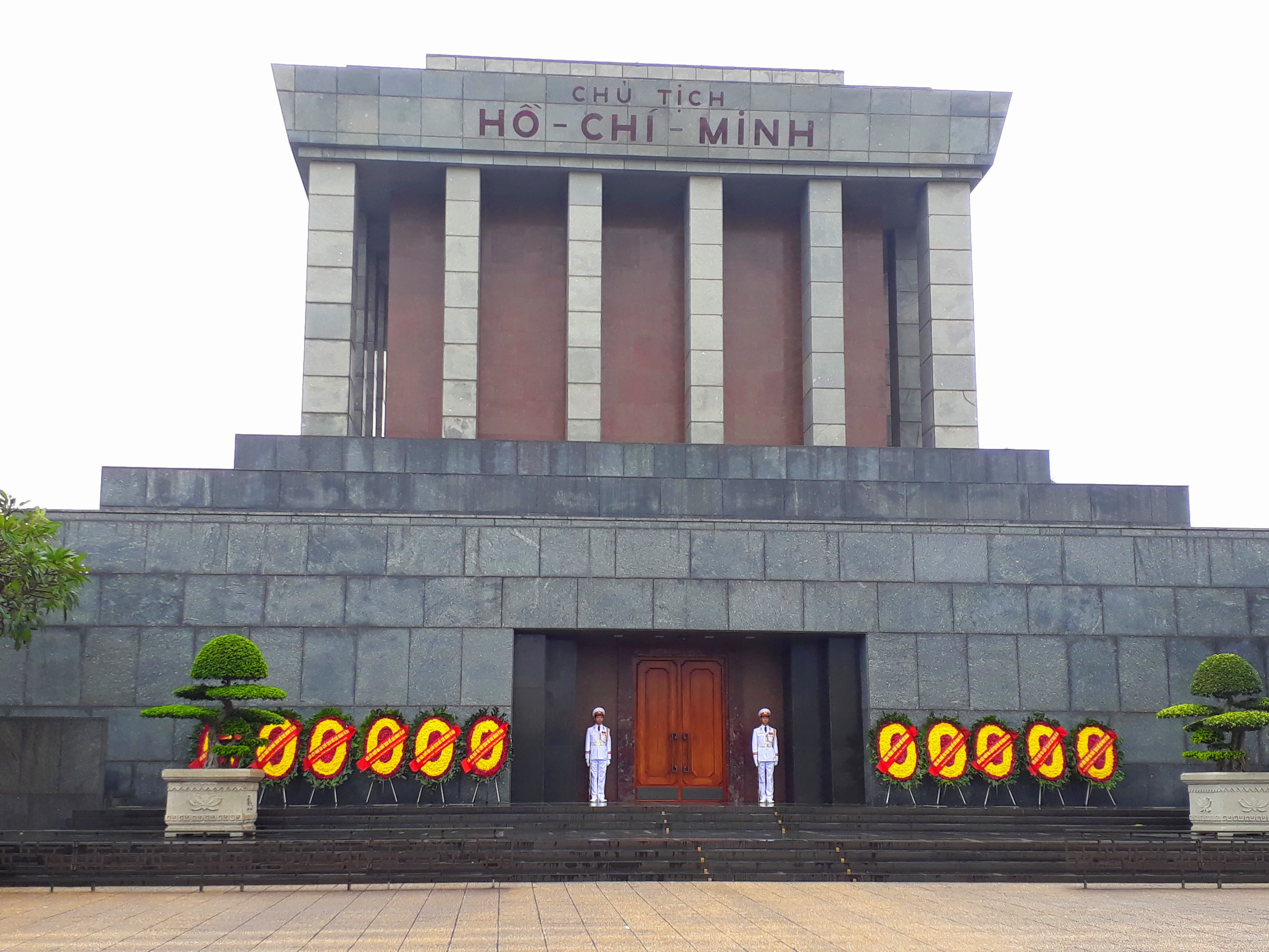 Things to do in Hanoi -Ho Chi Minh's Mausoleum