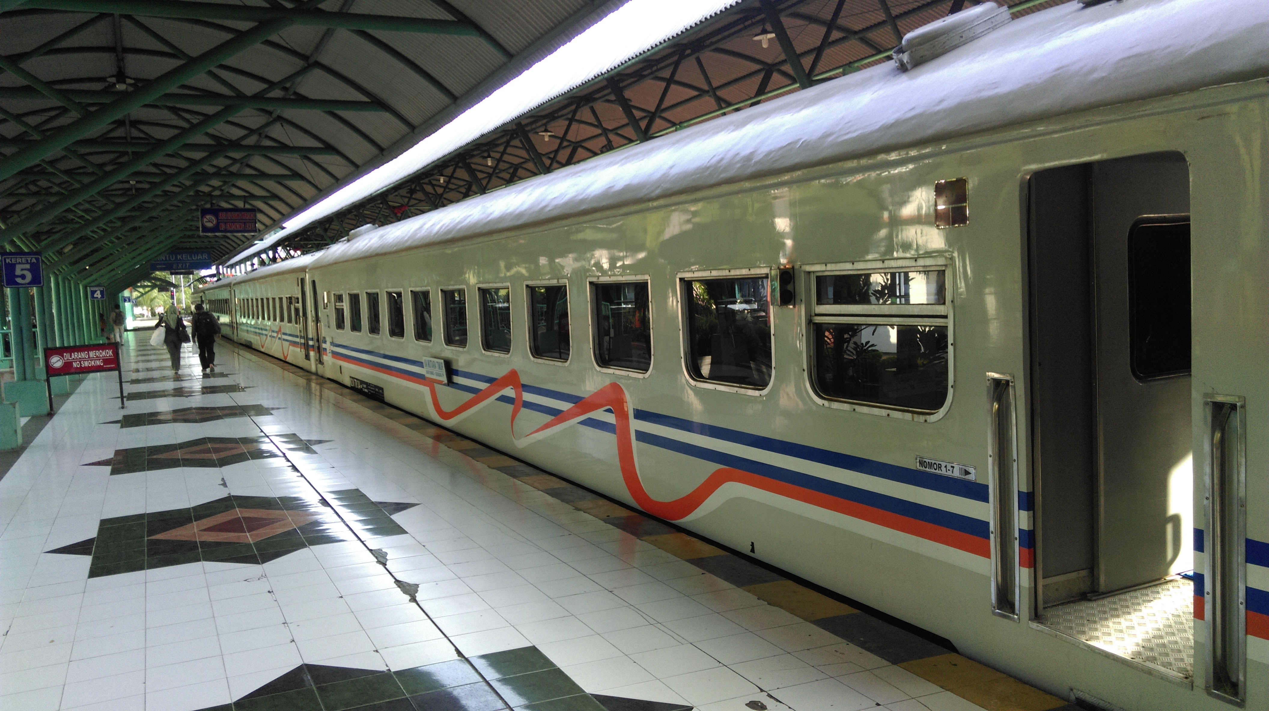 travelling from bali to java and yogyakarta normans