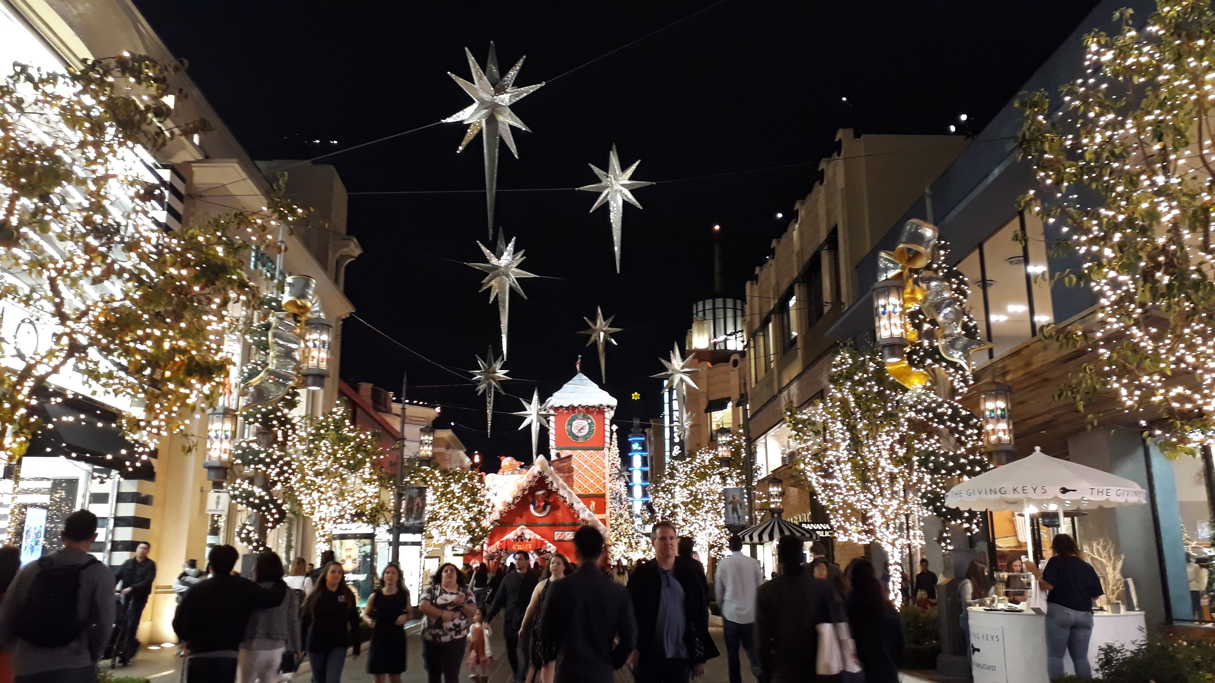 The Grove Mall - Festive Decorations