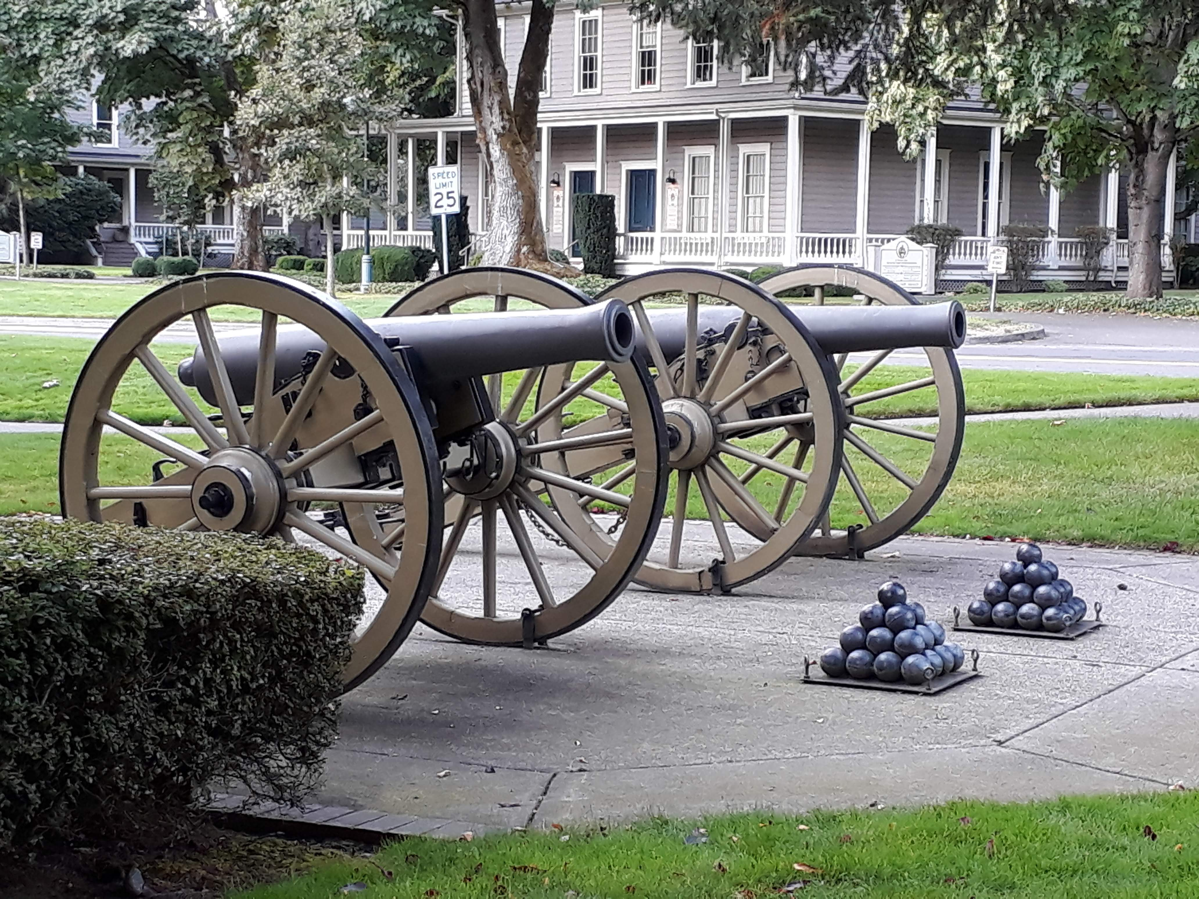 visiting Fort Vancouver - Canon